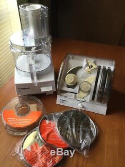 New CUISINART FOOD PROCESSOR (7cup), Blade and Disc Holder, 3 extra Discs